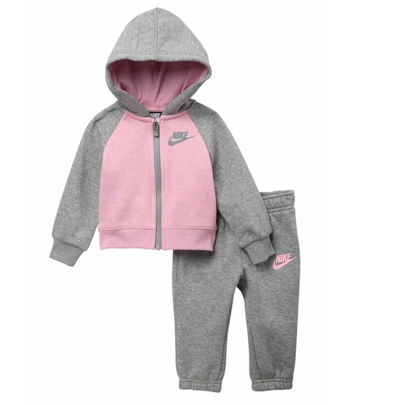 119d26676 Baby Girl Nike Front ZIP Fleece Set. M_5c4600172beb79e9f38407bf
